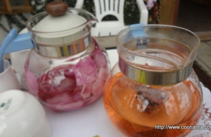 夢幻玫瑰顏色由天然花青素的藍色->紫色->紅玫激盪的香檳色->紅茶的琥珀色。