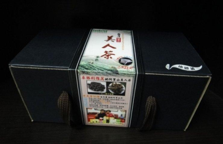 CooNaTea 阿里山金萱美人茶立體茶包外包裝